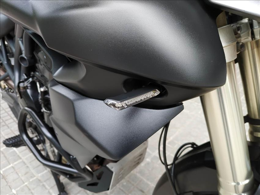 MOTOBATT dise/ño de B/úho y Texto c700100/Mini comprobador de Pilas de LED